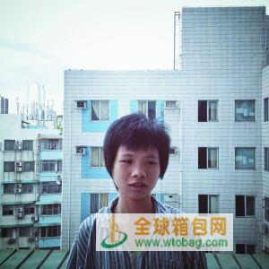 檀秋燕,15岁,广西钦州人,在白云区琪怡皮具厂打工10个月
